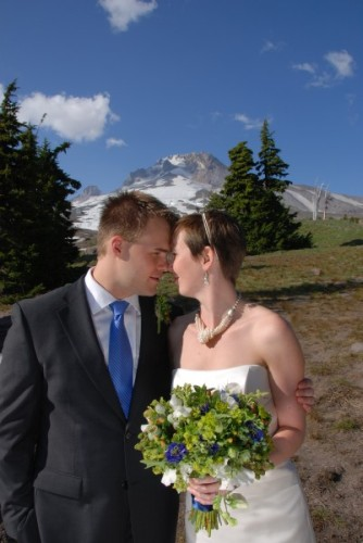 textured green bouquet with white and blue accents, Timberline Lodge, Françoise Weeks
