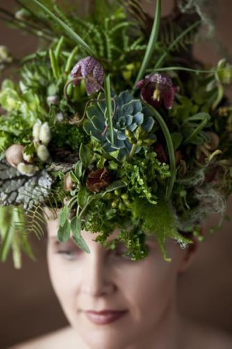 woodland headpiece with succulents, staghorn fern, fiddleheads, hellebore, frittilaria, detail, Françoise Weeks