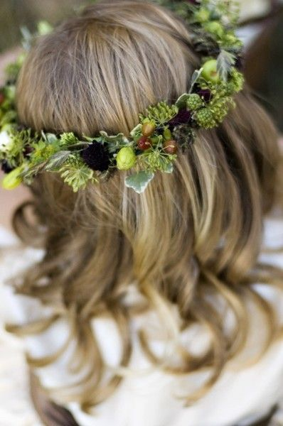 headwreath decorated with texture Françoise Weeks