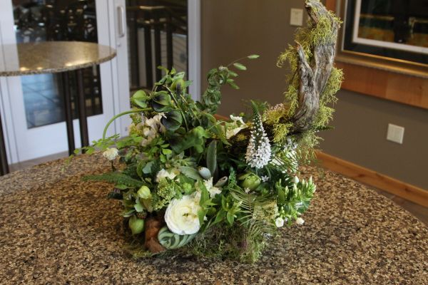 woodland centerpiece with white flowers, Françoise Weeks