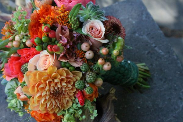 peach and green bridal bouquet, Françoise Weeks