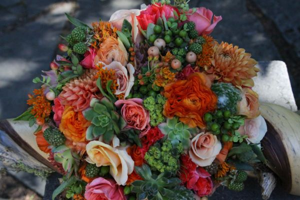 peach and green bridal bouquet4, Françoise Weeks