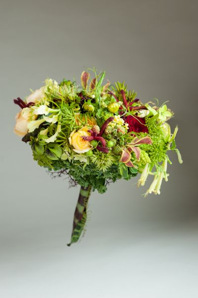 burgundy and butter yellow bouquet, Françoise Weeks