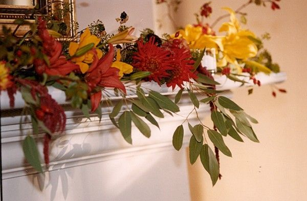 lilies and dahlias, mantle decorations, Oswego Lake Country Club, Françoise Weeks