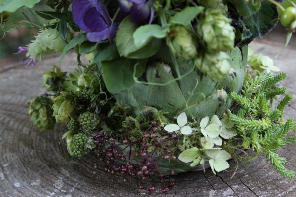 purple arrangement in artichkoe; hops at base, Françoise Weeks