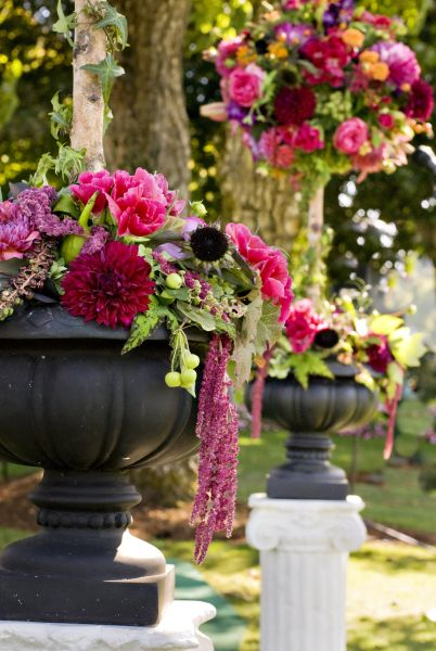 topiaries with dahlias, Waverly country club, Françoise Weeks