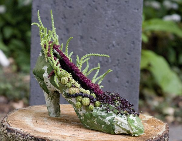 botanical shoe  with succulents, blackberries, amaeanthus, Françoise Weeks