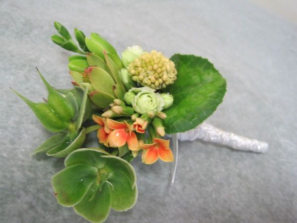 boutonnier with hellebore and kalanchoe, Françoise Weeks