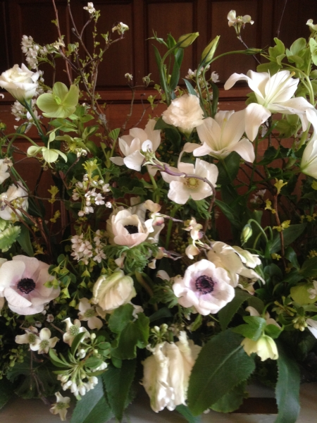 white and green garden arrangement, detail 2, First Unitarian Church, Françoise Weeks