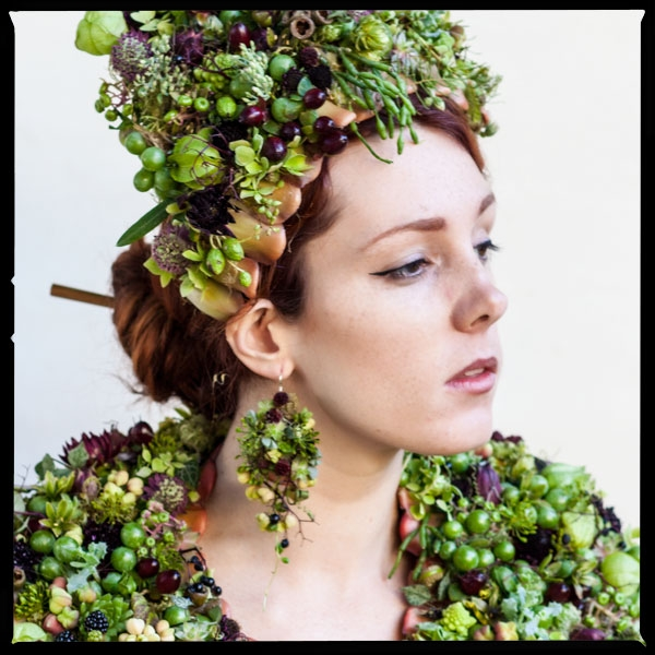botanical couture, headpiece, earrings and stole Francoise Weeks