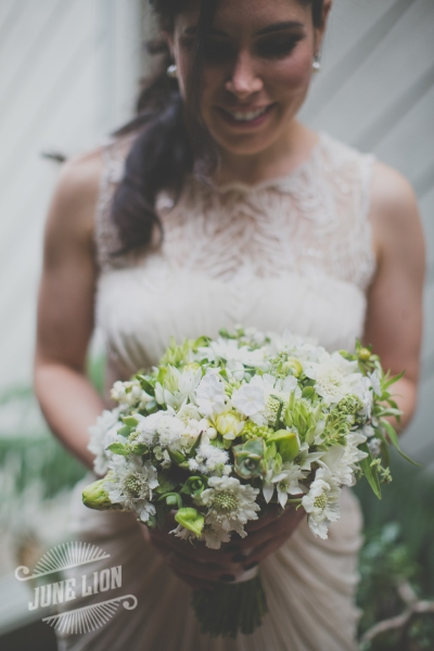 white bridal bouquet, Françoise Weeks