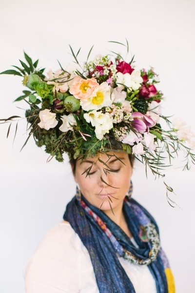 botanical headpiece design Betsey Brooks, botanical couture workshop in Vermont, Françoise Weeks