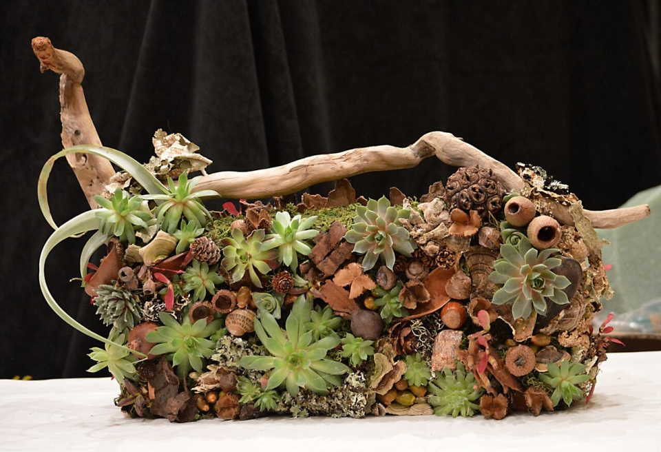 Botanical woodland purse for demo at FSFA June 2015, Francoise Weeks