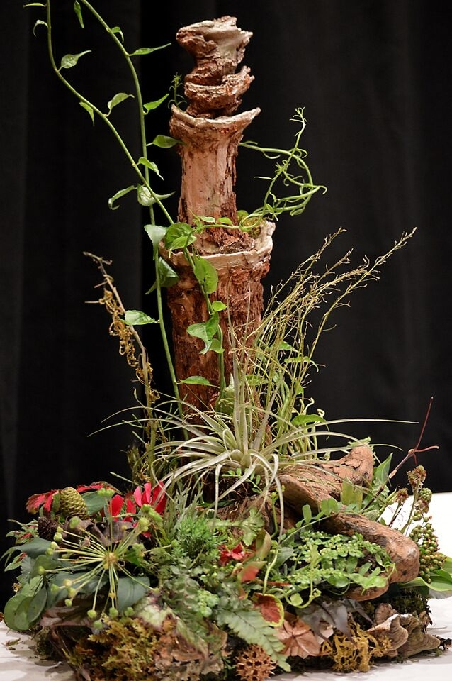 Woodland arrangement for demo at FSFA June 2015, Francoise Weeks