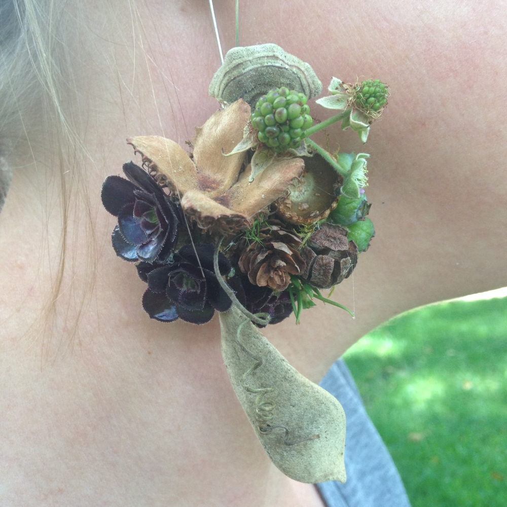 botanical earring, Francoise Weeks