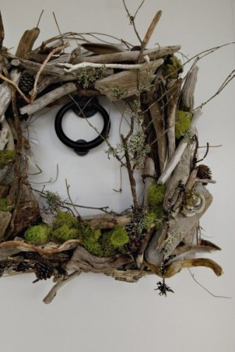 wreath made with driftwood, moss and texture, Françoise Weeks